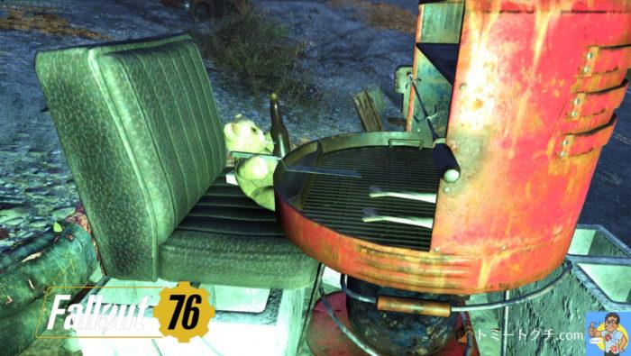 Fallout76 魚を焼くクマ